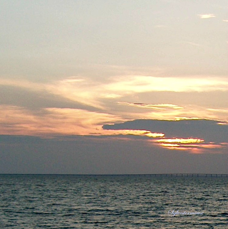 Florida Sunset - Destin Florida Vacation Tips, Fun Activities, Restaurants & Recommendations